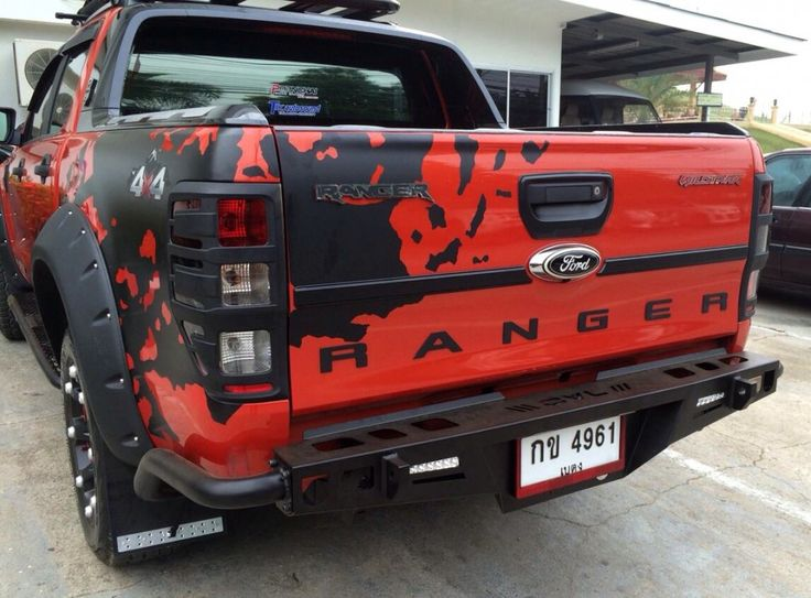We scored the internet for some interesting Ford Rangers to show you, and this one inspired by Transformers is definitely quite unique.