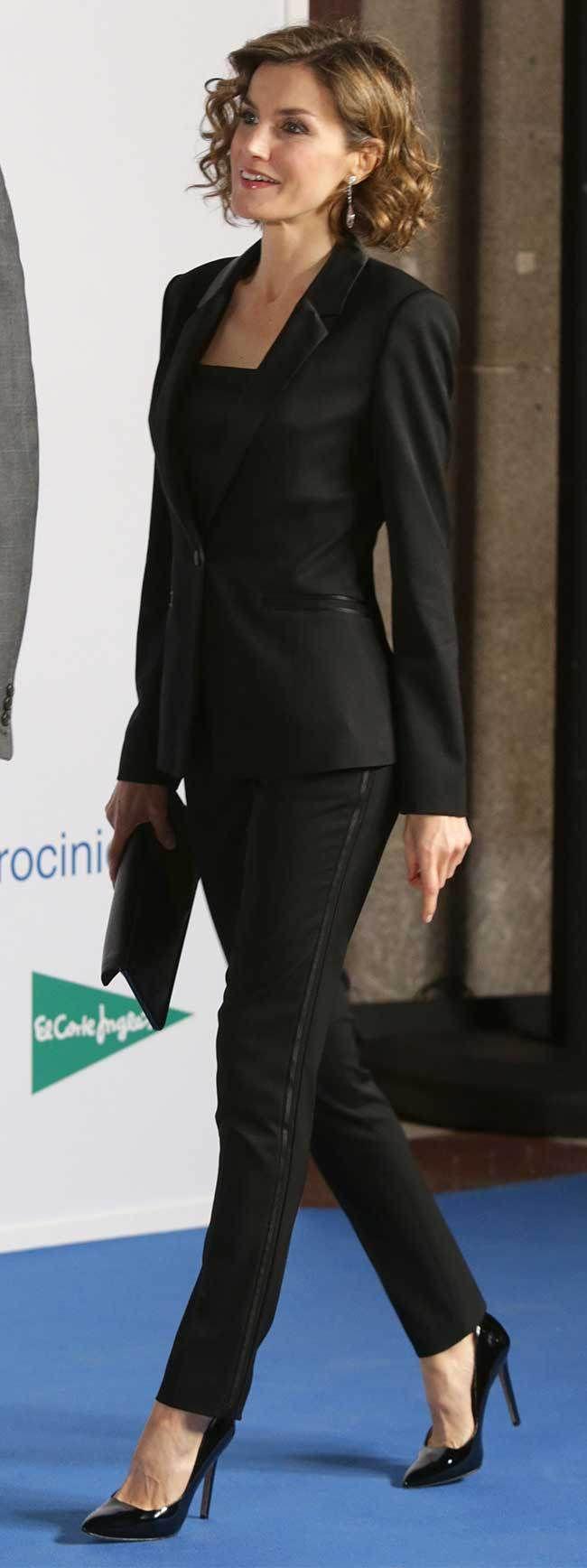 Queen Letizia - Hugo Boss Runway Edition smoking. Magrit shoes. Yanes earrings.