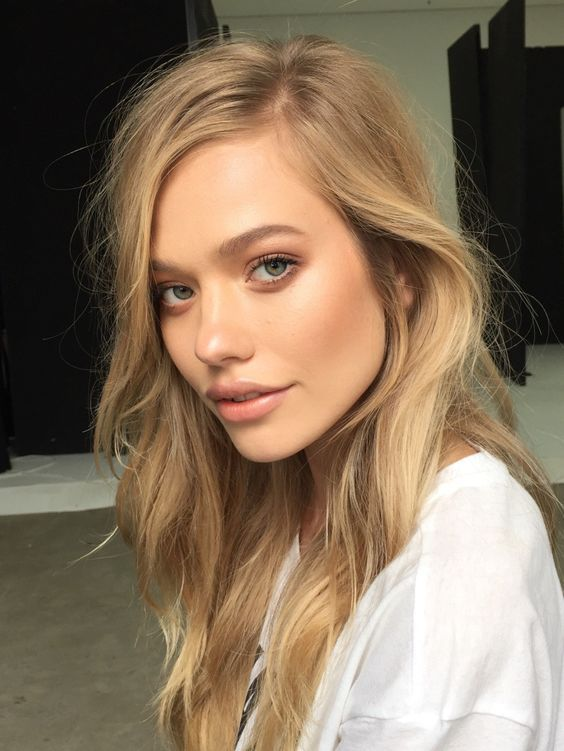 super pretty bronzed simple makeup! try RMS Master Mixer on eyes, down nose, on cupids bows, over lip color, and on cheekbones for pretty glowy makeup!