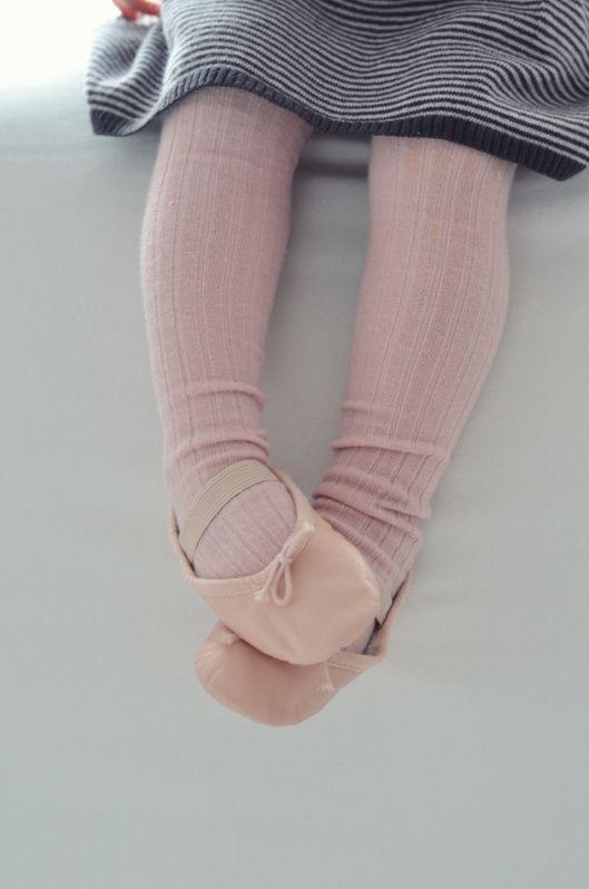 <3: Little Girls, Little Ballerinas, Sweet, Ballet Flats, Dance Shoes, Pink Shoes, Tiny Dancers, Ballet Shoes, Baby Ballet