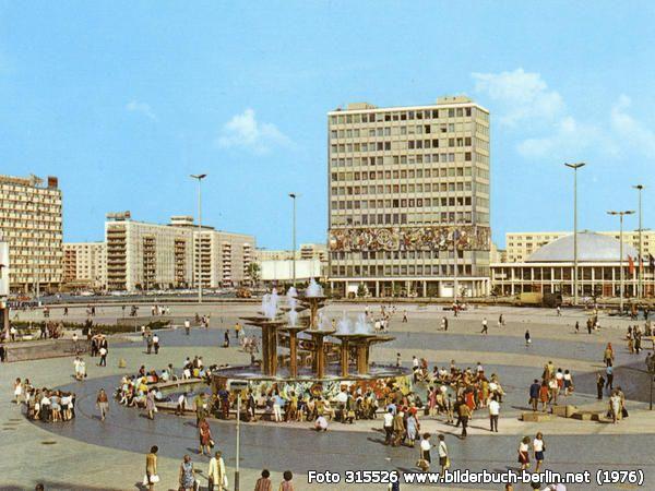 AufdemAlexanderplatz, Alexanderplatz, 10178 Berlin - Mitte (1976)