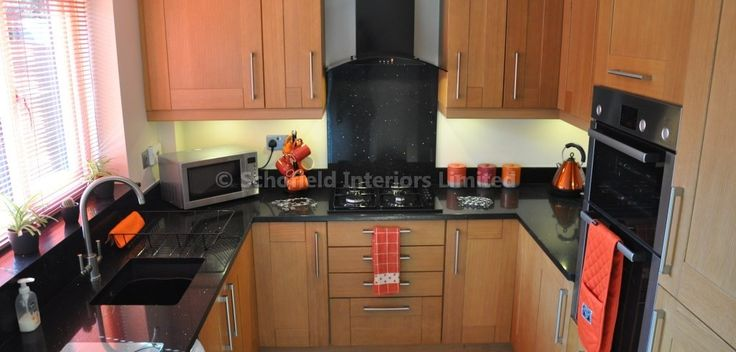 Solid Oak Shaker Kitchen with Black Granite Worktops