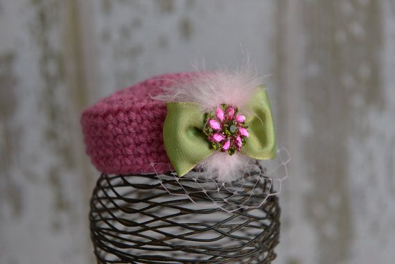 Pink and Green Pillbox Hat Vintage Style Photo Prop op Etsy, 20,13 €