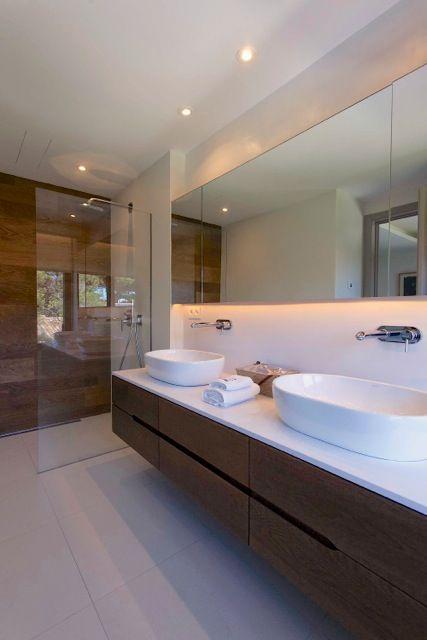Nueva y moderna villa junto al mar en #Marbella - Nevado Realty Real Estate T. +34 952 825 517