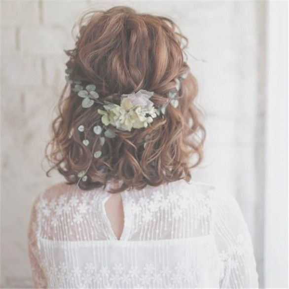 24 Simple Hairstyles for Work That Take No Time at All - Page 20 of 24 - HAIRSTYLE ZONE X #weddinghairstyles #wedding #hairstyles #boho