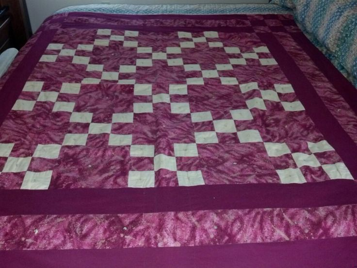 Irish Chain Quilt Pattern History : 141 best Single Irish Chain Quilts images on Pinterest