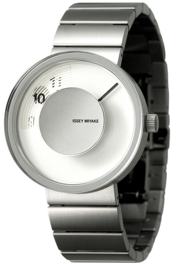 夏は薄着になって腕が見えてくる時期!そんな時にアクセサリー代わりとしても、時計としてもおしゃれにキマる時計コレクション!