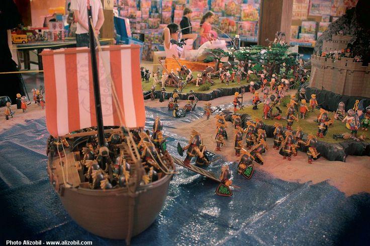 Diorama Playmobil - Le dernier des Hobbits Réalisé par Dominique Béthune avec l'aide de Richard, Alia et Alizée, membres de la Smile-Compagnie. Exposition Playmobil de Morlaix 2015 organisée par Diwan. Photo D. Béthune