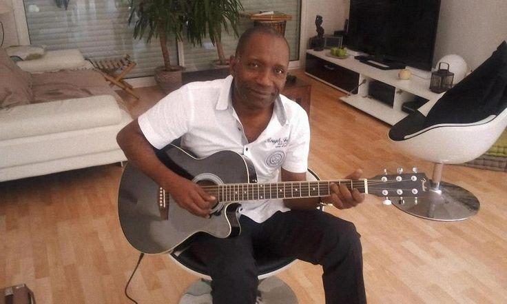 Cameroun: Inhummation le 31 octobre prochain de l'artiste musicien Joe Mboule - http://www.camerpost.com/cameroun-inhummation-le-31-octobre-prochain-de-lartiste-musicien-joe-mboule/?utm_source=PN&utm_medium=CAMER+POST&utm_campaign=SNAP%2Bfrom%2BCAMERPOST