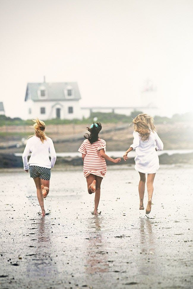 Posh Poses | Children Photography | Friends Forever | A Day On the Beach | Beach House | Shorts & Bare Feet | Sister Inspiration