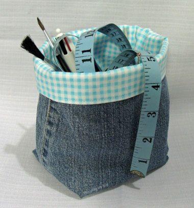 5dfc199dc672 Tároló kosarak farmer nadrágból - kreatív újrahasznosítás ❤Mindy - kreatív  ötletek és dekorációk minden napra