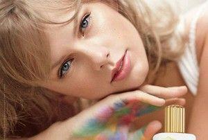 #TaylorSwift dévoile son nouveau parfum #Incrediblethings : https://livealikeblog.wordpress.com/2014/10/10/taylor-swift-presente-son-nouveau-parfum-incredible-things/