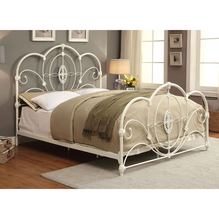 Furniture of America Amellie Victorian Scrolled Arched Platform Bed