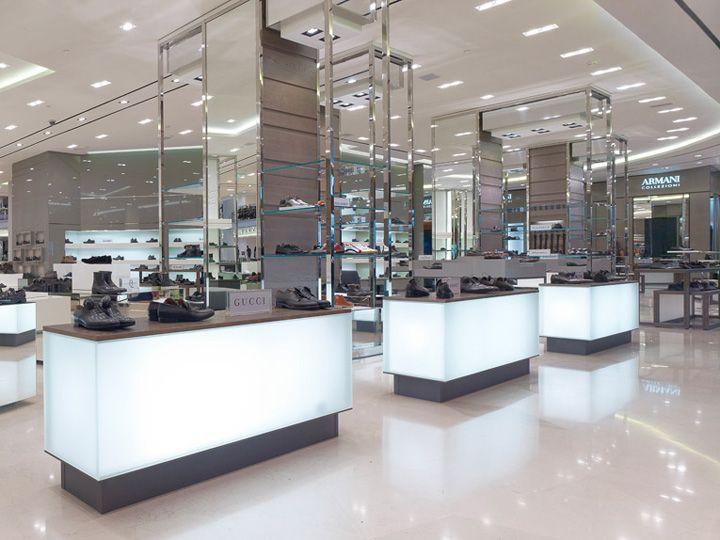DLT department store, St. Petersburg department store