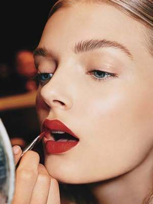 how to become a red lipstick girl becoming a mac makeup artist