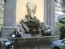 Palazzo Berio -fontana con la testa di cervo