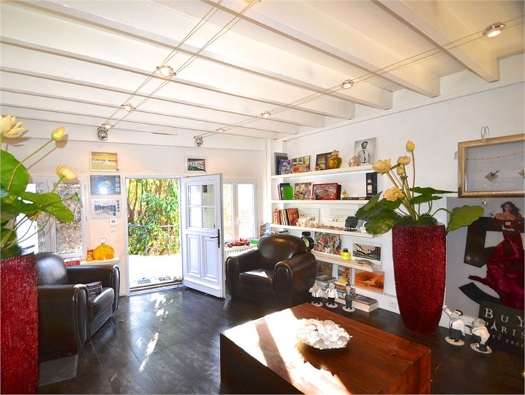 """A l'essai chez Capifrance, magnifique propriété à Savigny sur Orge.      """"Le charme de l'ancien refait avec élégance"""" : 261 m², 10 pièces dont 5 chambres et un terrain de 1550 m².    Plus d'infos > Hélène Amirault, conseillère immobilier Capifrance"""