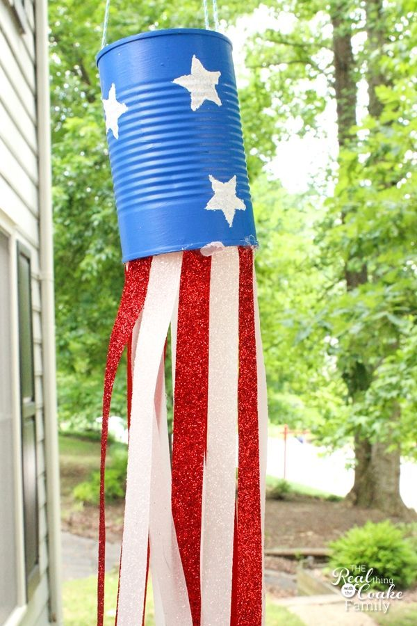 Love these adorable Fourth of July crafts for kids. They will make simple and inexpensive summer Activities for Kids. #artsandcrafts,