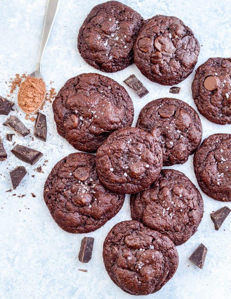 Paleo Triple čokoládové brownies cookies!  Název mluví za vše!  Nejvíce fudgy, chocolatey sušenky kdy budete jíst, a nikdy věřit, že jsou paleo, obilí-free, bez lepku, mléka a mléčných výrobků bez a rafinovaný cukr zdarma!