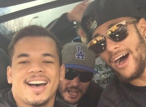 Diario El Siglo - VIDEO| Neymar de modelo pasa a cantar una canción romántica con sus amigos