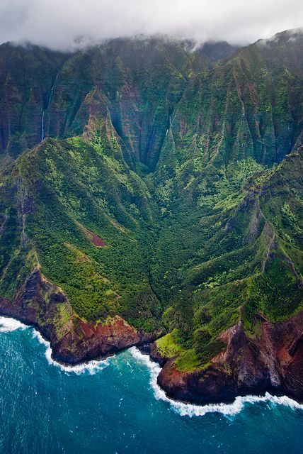 Flying over the Na Pali coastline, Paradise Found by Thorsten Scheuermann, via Flickr