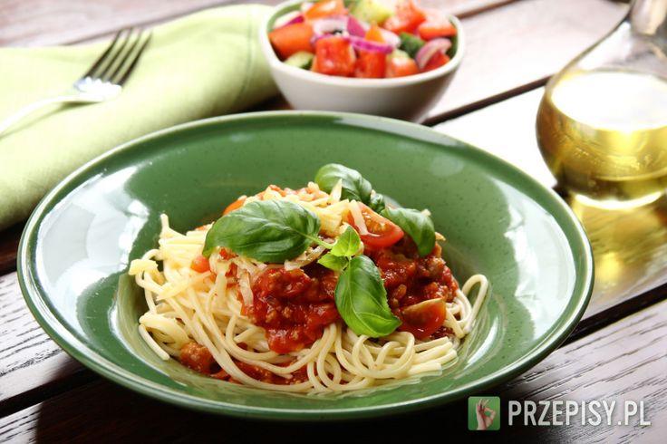 Spaghetti bolognese z cebulką - przepis z portalu przepisy.pl