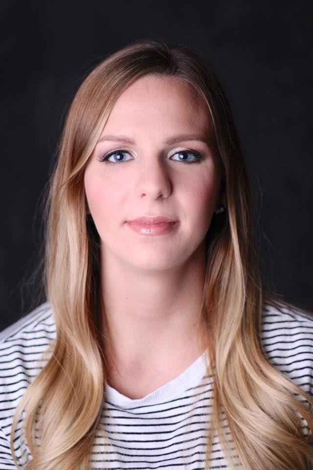 fb.com/katelyngreepmakeup/ #Makeup #weddingmakeup #bridalmakeup #bridesmaidmakeup #makeupartist #saskatoonmakeupartist #mua #contourandhighlight #photoshoot #eyeliner #lipstick #Before and After