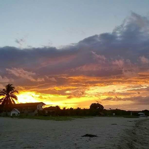 The beautiful beach in pasikudah at evening