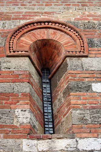 Monofora della Chiesa di Santa Maria in Canonica Toscana Colle Val d'Elsa SI Tuscany, Italy