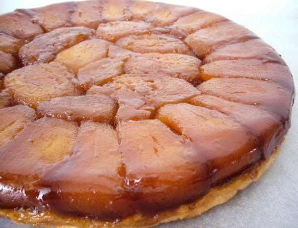Après la tarte tatin de Philippe Conticini (ici), voici une version plus classique mais tout aussi délicieuse de la fameuse tarte renversée aux pommes caramélisées Temps de préparation : ♦♦…