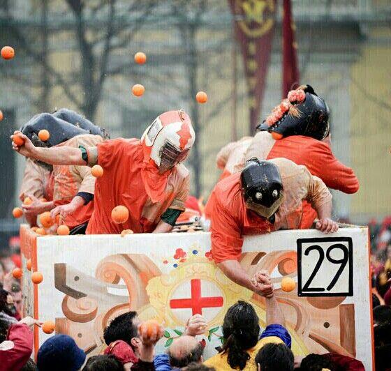 Carnevale di Ivrea, Torino, Piemonte La battaglia delle Arance