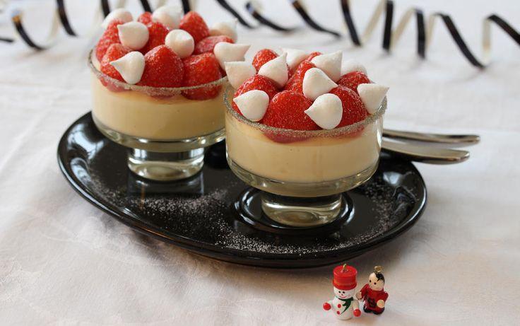 Champagnefromasj med jordbær og marengs