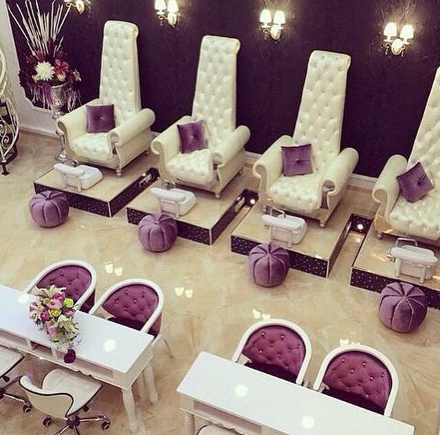 152 best images about g l a m o u r on pinterest for Luxury beauty salon furniture