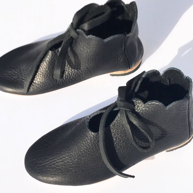Girls shoes toddlers flats modern bow black leather handmade minimalist booties Size 4.5 5 6 7 8 9 10 11 12 13 1 2 3 4 by RileeShoes on Etsy https://www.etsy.com/listing/578704696/girls-shoes-toddlers-flats-modern-bow