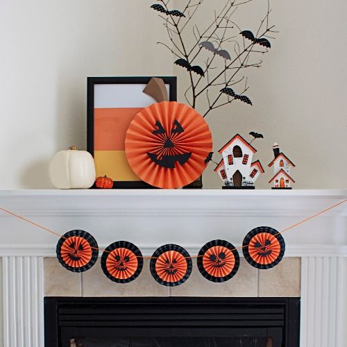 this paper pumpkin diy garland is a string of the cutest jack o lanterns ever use this party decoration idea to enhance your next halloween party - Easy Halloween Party Decorations