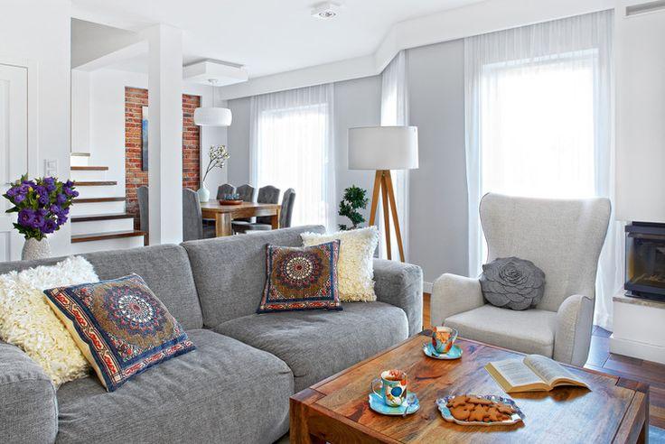 Przestronny dom Emilii i Adriana - ciepła i spokojna atmosfera pozwala im się wyciszyć - Dom