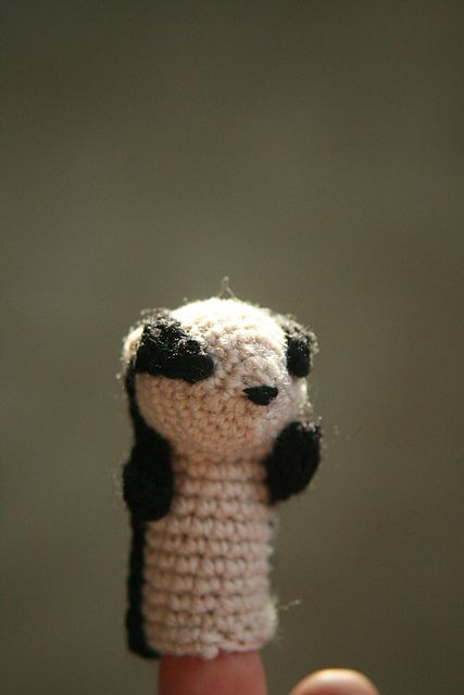 "Charlie the Badger Finger Puppet Free Pattern (PDF click""Download"") http://www.ravelry.com/patterns/library/charlie-the-badger-puppet"