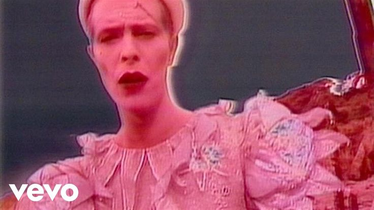 "heart heart palpitates... fluid ""her-o""/// David Bowie - Ashes To Ashes"