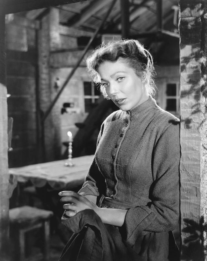 Loretta young in movie scene — 7
