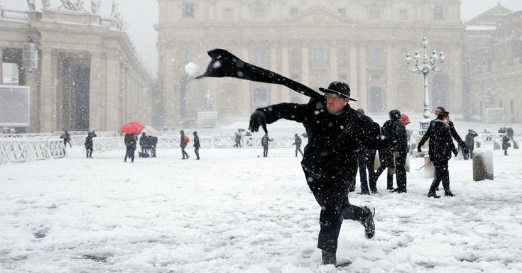 #MONSTASQUADD The Week in Good News: A Generous Town, Dogs and Dating, and Snow in Rome