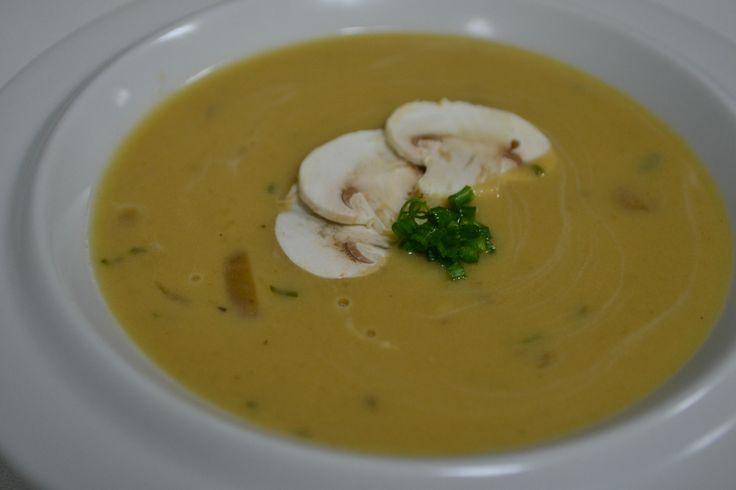 Κρεμώδης σούπα μανιταριών - http://www.ert.gr/kremodis-soupa-manitarion/