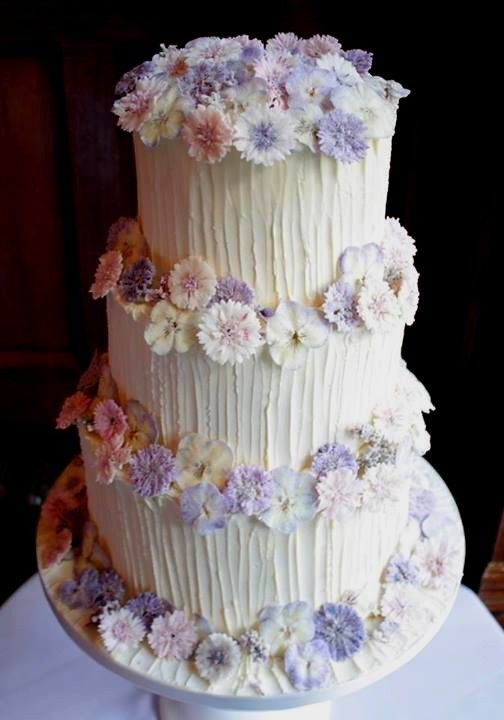 Meadowsweet Crystallised Flowers as decorations on a Wedding Cake by Little Black Cat, Raglan.