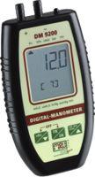 DM 9200 Precíziós digitális nyomásmérő: amelynél a következő méréstartományok lehetségesek: +/- 75 hPa, +/- 130 hPa, +/- 350 hPa, +/- 1.000 hPa