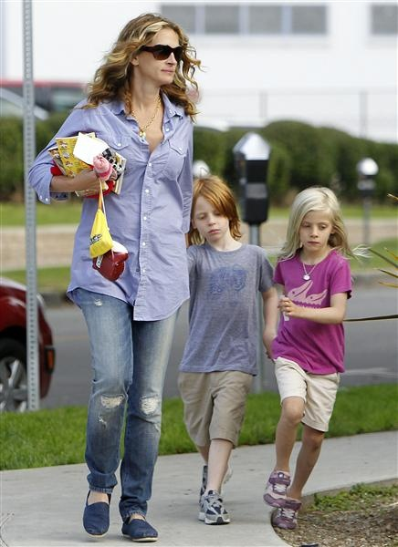 Julia Roberts  Twins: Phinnaeus and Hazel   Born: Nov. 28, 2004  After spending a month of bed rest in a Los Angeles hospital, Julia Roberts gave birth to her precious twins, Phinnaeus and Hazel, just in time for Thanksgiving in 2004. Looks as if Julia and her husband, Danny Moder, had a lot to be thankful for that year!