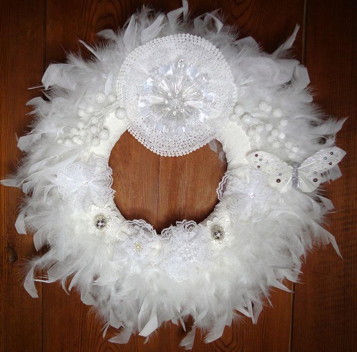 Les 25 meilleures id es de la cat gorie couronnes de porte for Decoration porte entree pour mariage