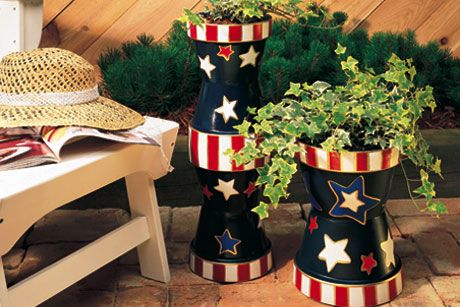 Cute idea for outdoor planters.: Terra Cotta, Flowers Pots, Clay Pots Projects, 4Th Of July, July 4Th, Clay Pots Planters, Cotta Can, Planters Ideas, Stripes Planters