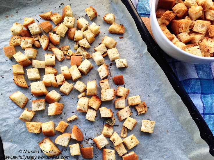 Crutoane pentru supe creme si salate.  Homemade croutons for cream soup or salads.