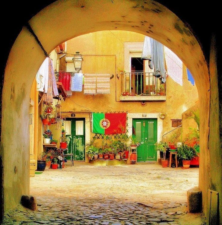 A Lisboa escondida, que surpreende, que encanta, que teima em seduzir usando apenas a simplicidade. Mónica