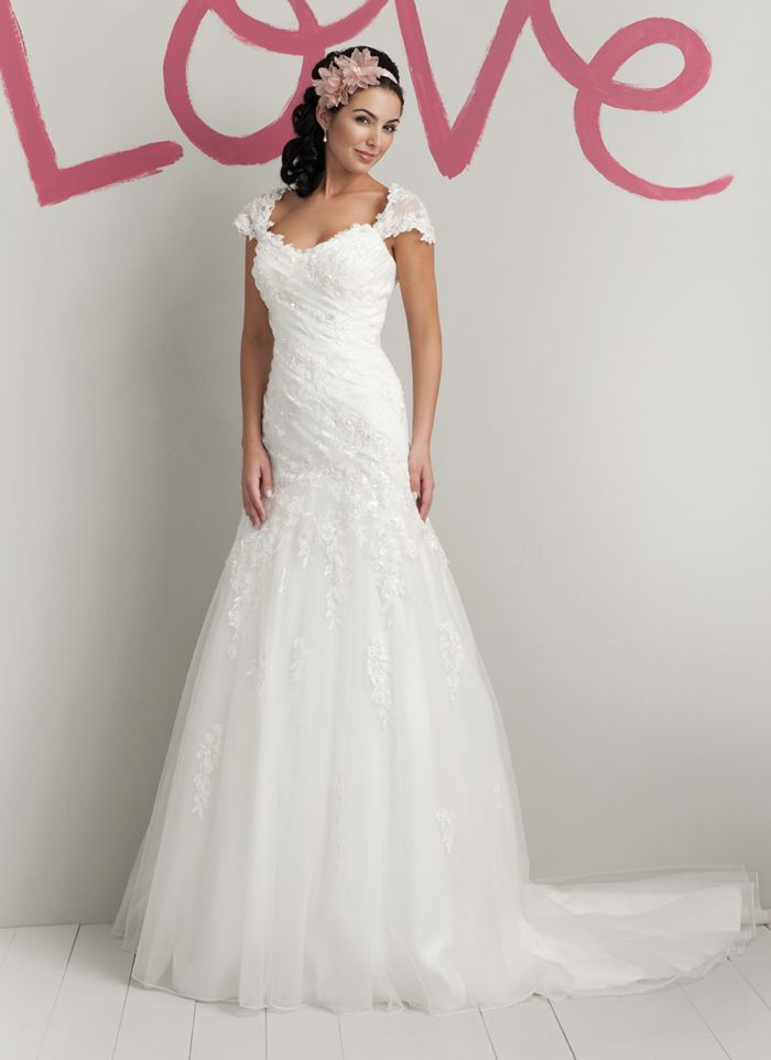 sweetheart style 5972 tulle and lace beaded cap sleeves with