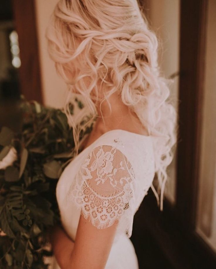 1000 Ideas About Flower Crown Hair On Pinterest: 1000+ Ideas About Flower Crown Hairstyle On Pinterest